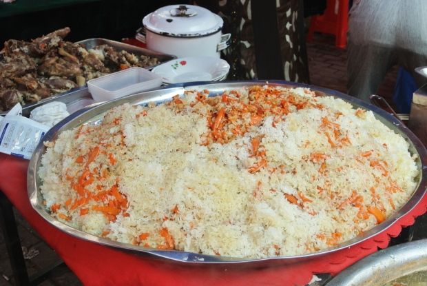 An enormous platter of amazing pulao (pilaf)