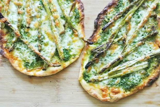 [Shanghai Spice] Roasted Asparagus + Pesto Grilled Naan Pizza
